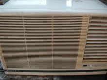 [9成新] 日昇家電~國際1.8噸右吹窗冷窗型冷氣無破損有使用痕跡