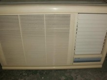 [9成新] 黃阿成~聲寶0.8噸右吹窗型冷氣窗型冷氣無破損有使用痕跡