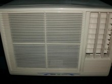 [9成新] 黃阿成~三洋0.8噸右吹窗型冷氣窗型冷氣無破損有使用痕跡