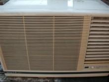 [9成新] 黃阿成~國際1.8噸右吹窗型冷氣窗型冷氣無破損有使用痕跡