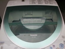 [9成新] 黃阿成~國際10公斤變頻洗衣機洗衣機無破損有使用痕跡