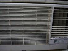 [9成新] 日昇~普騰1.8噸右吹窗型冷氣窗型冷氣無破損有使用痕跡