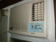 [9成新] 日昇~資訊家0.8噸右吹窗型冷氣窗型冷氣無破損有使用痕跡
