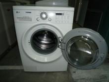 [8成新] 黃阿成~LG滾筒10公斤洗衣機洗衣機有輕微破損
