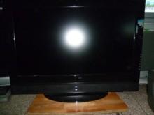 [8成新] 首華42吋液晶色彩鮮艷畫質清晰電視有輕微破損