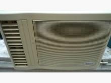 [9成新] 日昇~日立1.8噸左吹窗型冷氣窗型冷氣無破損有使用痕跡