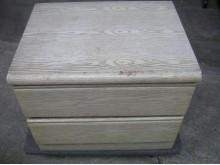 [8成新] 床頭櫃或電視櫃床頭櫃有輕微破損