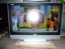 禾聯40吋液晶色彩鮮艷畫質佳電視有輕微破損