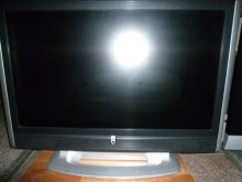 [8成新] 東芝37吋液晶色彩鮮艷畫質佳電視有輕微破損