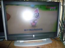 [8成新] 李太太~東芝37吋液晶色彩鮮艷電視有輕微破損