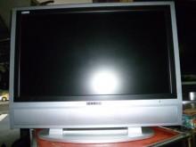 [8成新] 雷諾32吋液晶色彩鮮艷畫質清電視有輕微破損