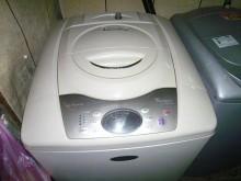 惠而浦13公斤洗衣機超漂亮...洗衣機有輕微破損