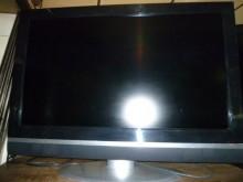 [8成新] 品牌32吋液晶色彩鮮艷畫質清晰電視有輕微破損