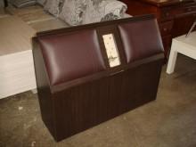 [全新] 毅昌二手傢俱~胡桃3.5尺床頭箱床頭櫃全新