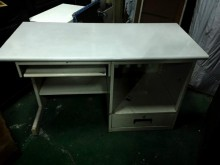 多功能辦公桌辦公桌無破損有使用痕跡