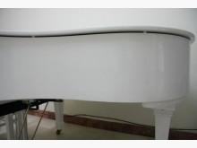 [9成新] Yamaha白色 平台式三角鋼琴其它無破損有使用痕跡