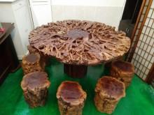 千年樹頭休閒桌桌子有輕微破損