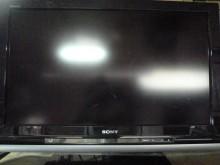 [8成新] 新力32吋液晶色彩鮮艷畫質佳電視有輕微破損