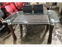 (二手)玻璃餐桌餐桌無破損有使用痕跡