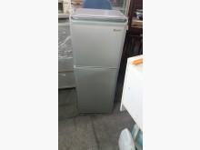 東芝137公升雙門冰箱冰箱無破損有使用痕跡