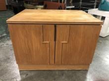 非凡 木紋拉門收納箱2收納櫃有輕微破損