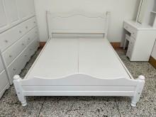 非凡 全新品 潔西烤白5尺床架雙人床架全新