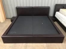 [9成新] 大慶二手家具 6x6.2呎皮床組雙人床架無破損有使用痕跡