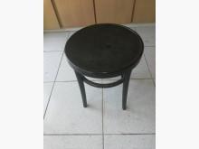 堅固塑膠椅餐椅無破損有使用痕跡