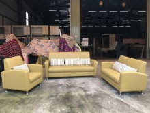 [95成新] 全新芥黃綠1+2+3沙發組多件沙發組近乎全新