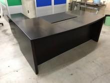大慶二手家具全新胡桃主管桌(含玻辦公桌全新