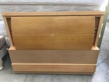 大慶二手家具 赤楊木色四尺床頭片床頭櫃無破損有使用痕跡