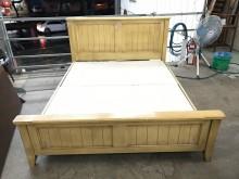 大慶二手家具 松木色五尺床架雙人床架無破損有使用痕跡