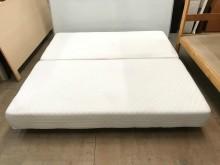 大慶二手家具 六尺純白布面床底雙人床架無破損有使用痕跡