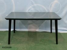 01020109 玻璃餐桌餐桌無破損有使用痕跡
