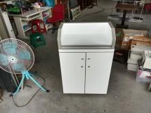 快樂福二手倉庫白色鋼烤櫃台桌講桌其它櫥櫃無破損有使用痕跡