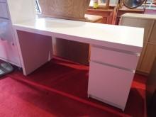 IKEA經典款雪白書桌 工作桌書桌/椅有輕微破損