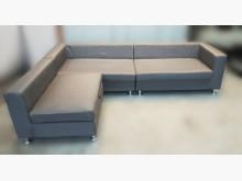 [8成新] A2163*深灰色L型布沙發*L型沙發有輕微破損
