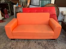 [8成新] 橘子色亞麻布5.5尺 雙人座沙發雙人沙發有輕微破損