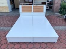 純白色插座充電式標準雙人5尺床組雙人床架無破損有使用痕跡