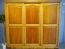 [9成新] 二手松木半實木221公分推門衣櫃衣櫃/衣櫥無破損有使用痕跡