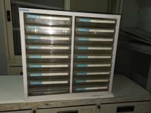 01257-18格A4文件鐵櫃辦公櫥櫃無破損有使用痕跡