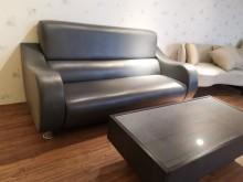 九成新美式高背透氣皮大雙人沙發雙人沙發無破損有使用痕跡