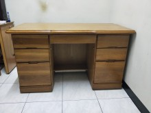 [8成新] 搬家出清 實木書桌7抽書桌/椅有輕微破損