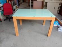 木紋玻璃餐桌可延伸H02642餐桌無破損有使用痕跡