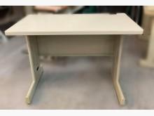 [7成新及以下] C2223*OA辦公桌*辦公桌有明顯破損