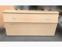 [8成新] B42817* 白像色五尺床頭櫃床頭櫃有輕微破損