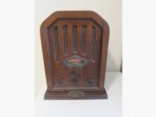[7成新及以下] 古董收音機 仍可收聽AM/PM擺飾有明顯破損