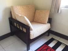 [9成新] 高級原木沙發2+1木製沙發無破損有使用痕跡