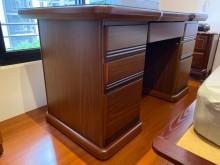[9成新] 原木胡桃木辦公桌辦公桌無破損有使用痕跡