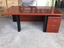 [95成新] 主管桌+活動櫃/辦公桌/書桌書桌/椅近乎全新